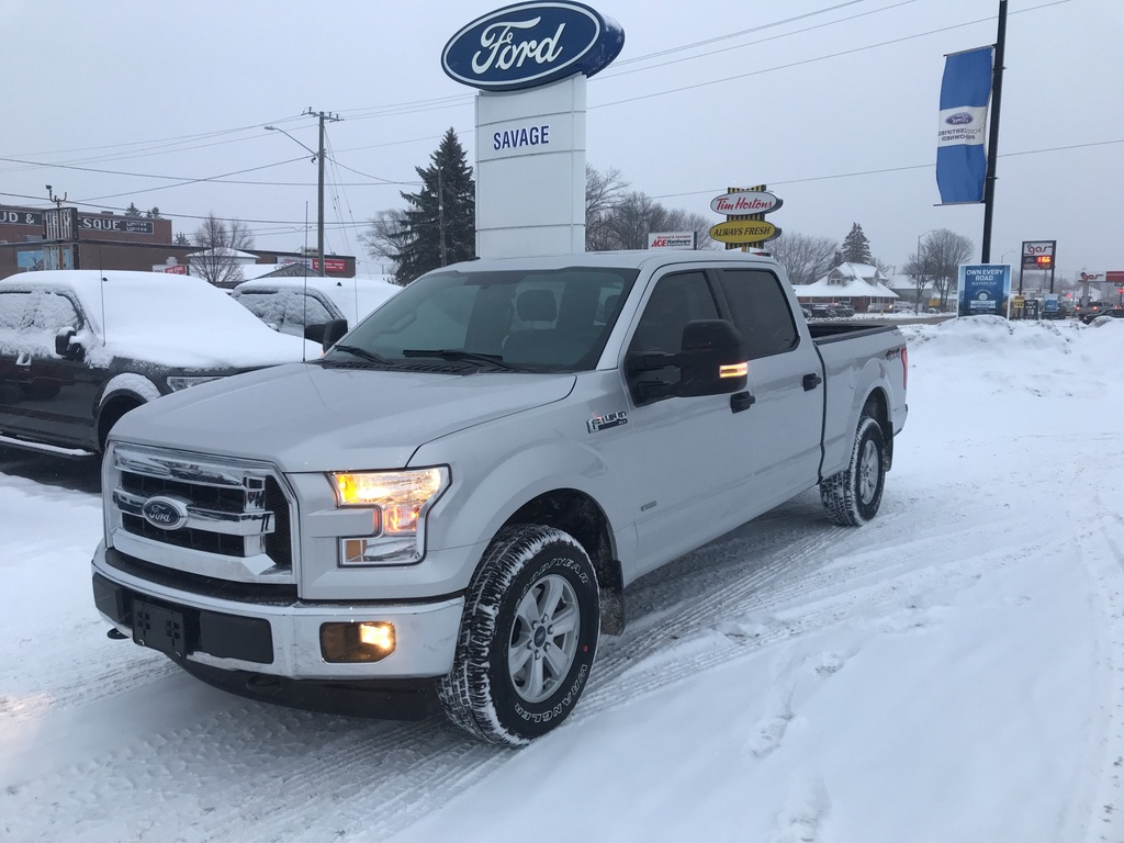 2017 Ford F-150 XLT - Very Clean! New Tires! Tow Mirrors