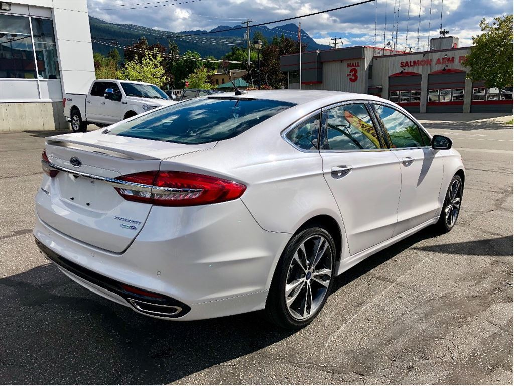 2017 Ford Fusion Titanium AWD   Navigation   Heated/Cooled Seats