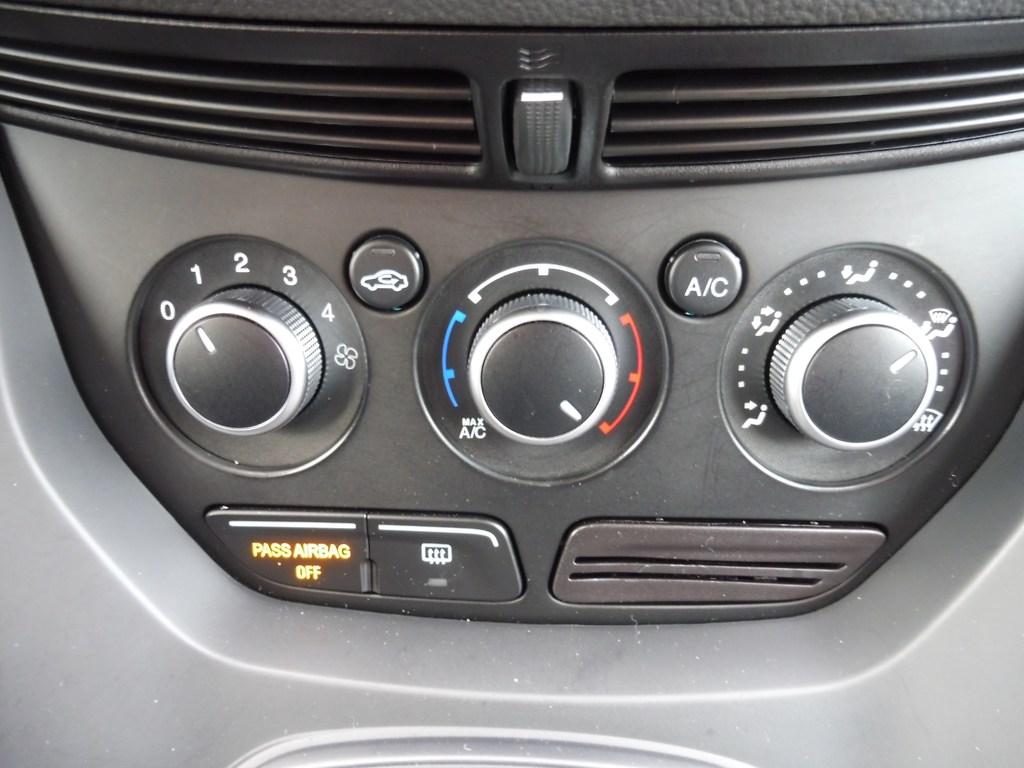 2015 Ford Escape SE-Fwd-Rear view Camera