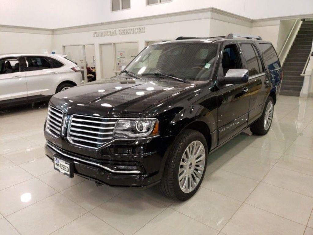 2017 Lincoln Navigator Select Select