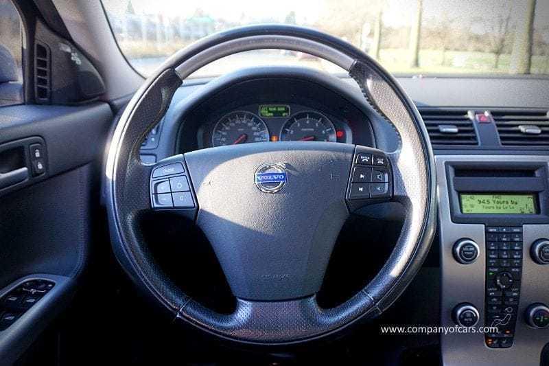 2010 Volvo V50 full