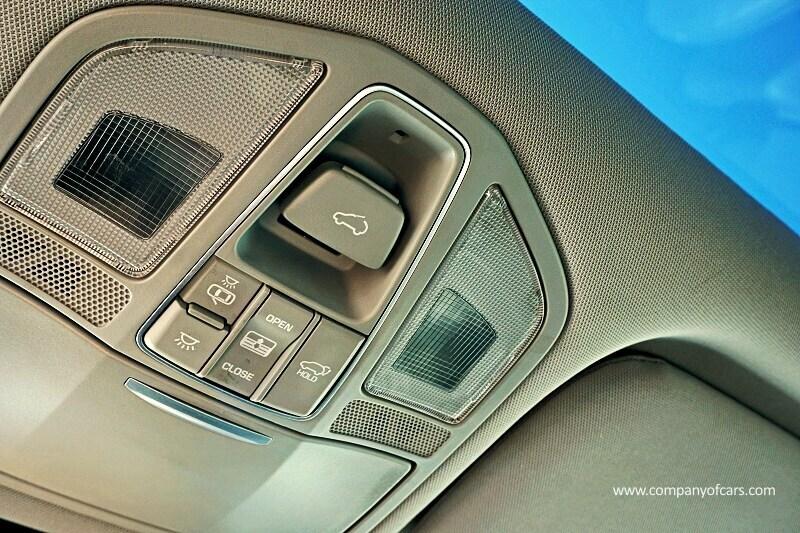 2017 Hyundai Santa Fe XL full