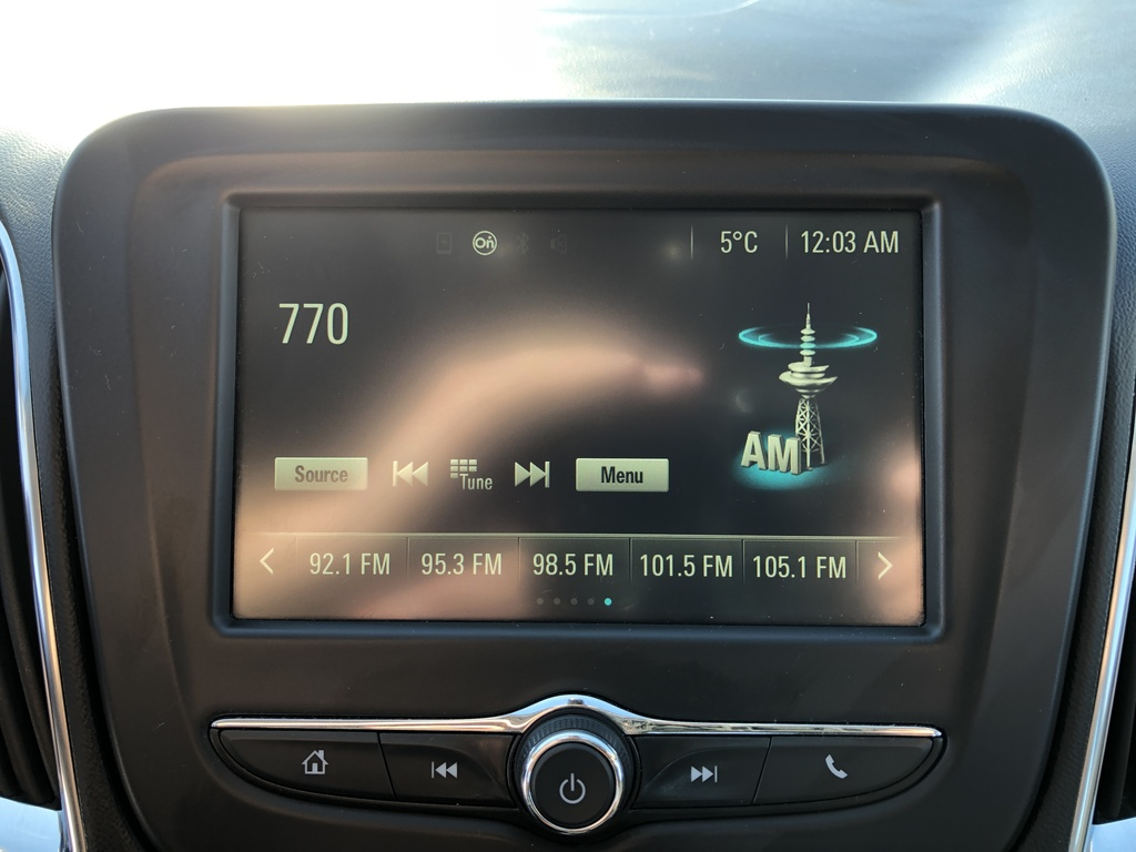 Pre-Owned 2016 Chevrolet Malibu 4dr Sdn LT w-1LT / Back up cam