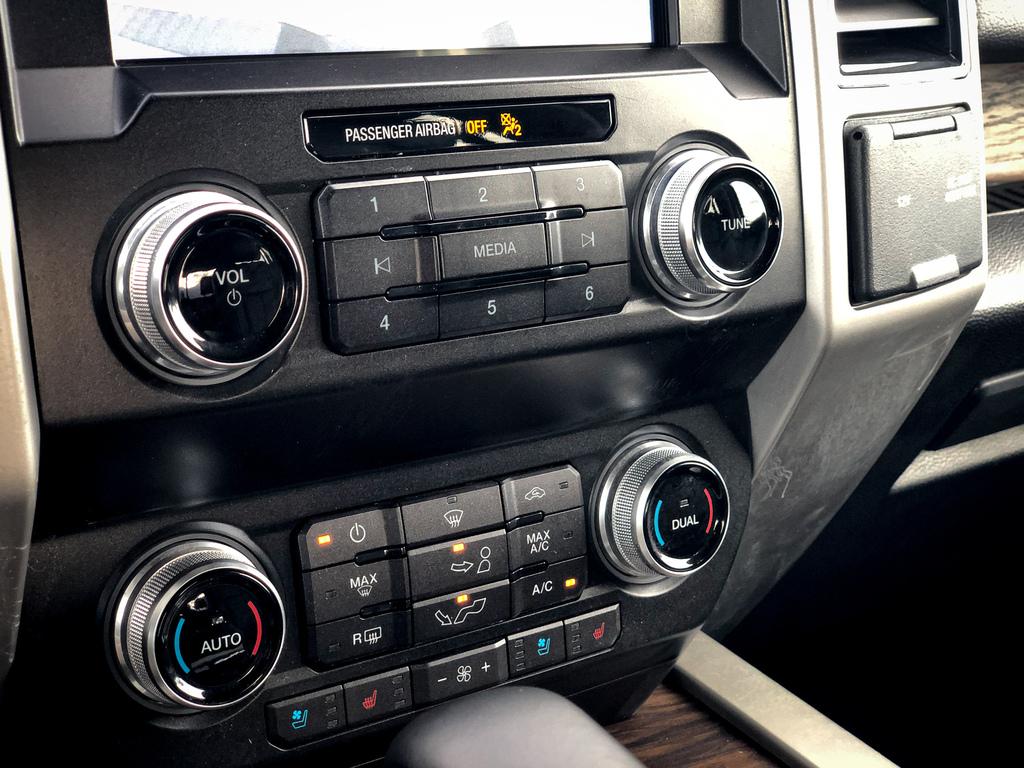 2019 Ford F-150 LARIAT   4x4 / 2.7L V6 EcoBoost