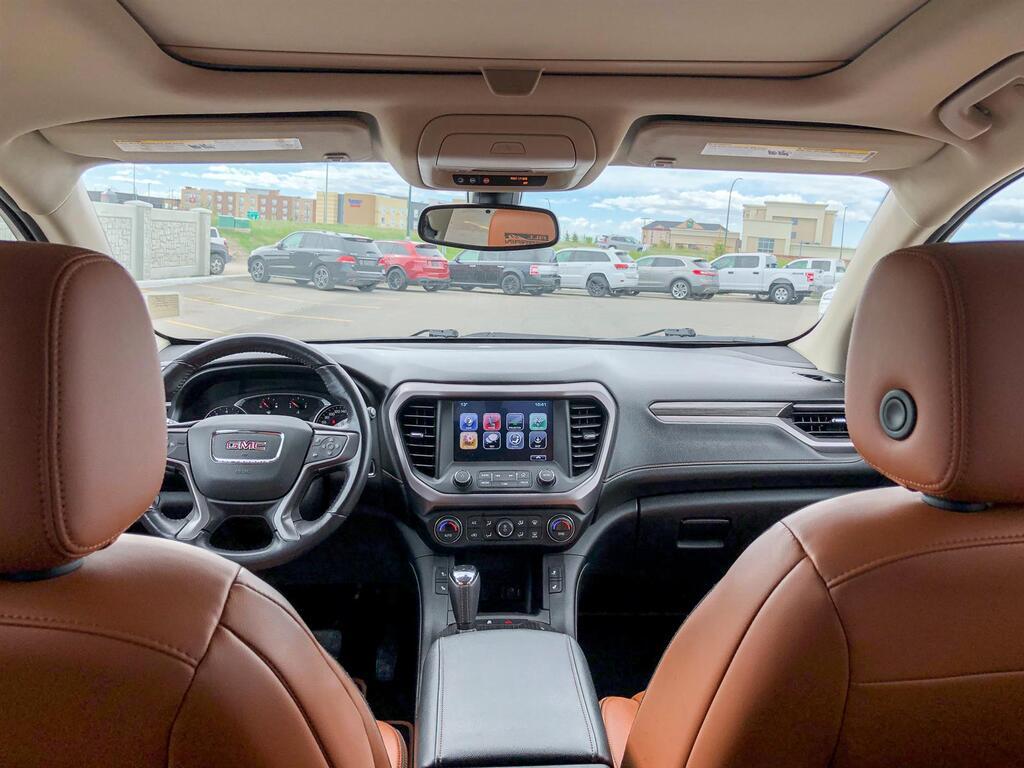 2018 GMC Acadia SLT   3.6L V6   AWD    SUNROOF   POWERED/HEATED SE