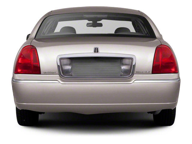 2010 Lincoln Town Car Price Trims Options Specs Photos Reviews