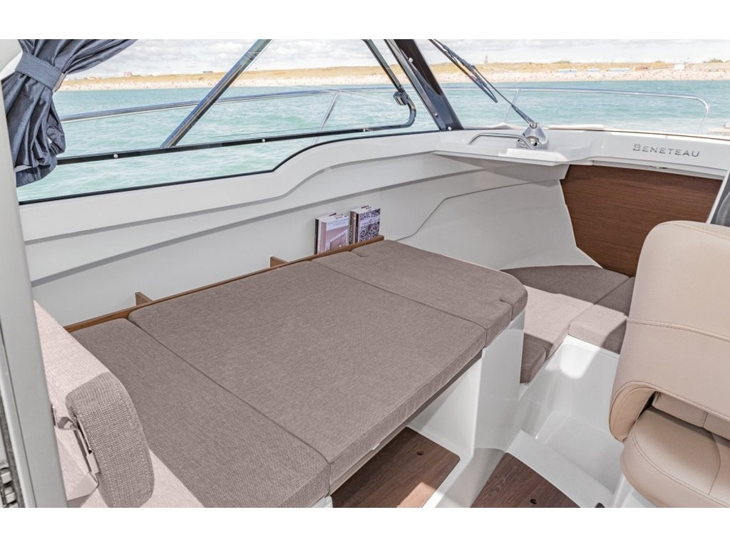 2020 Beneteau boat for sale, model of the boat is Antares 21 O/b & Image # 6 of 9