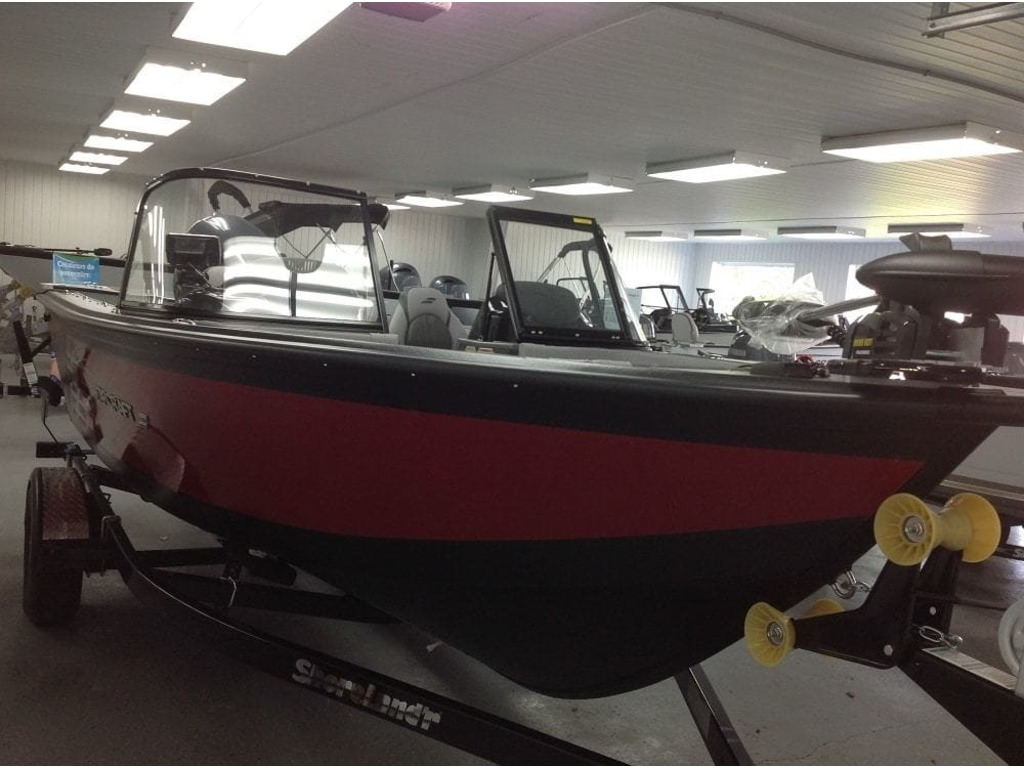 2018 Starcraft boat for sale, model of the boat is Titan 186 Dc & Image # 2 of 13