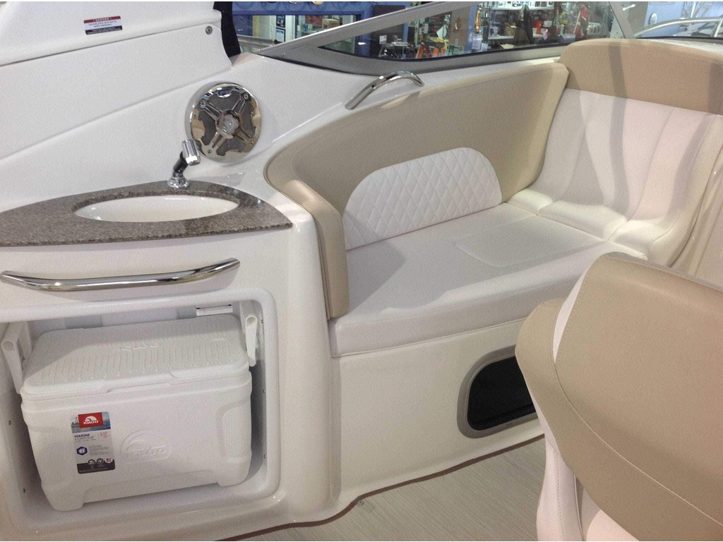 2019 Chaparral boat for sale, model of the boat is 270 Signature & Image # 4 of 24