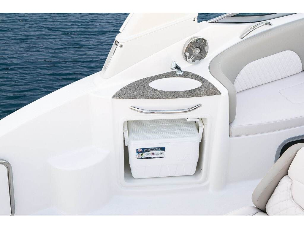 2019 Chaparral boat for sale, model of the boat is 270 Signature & Image # 18 of 24
