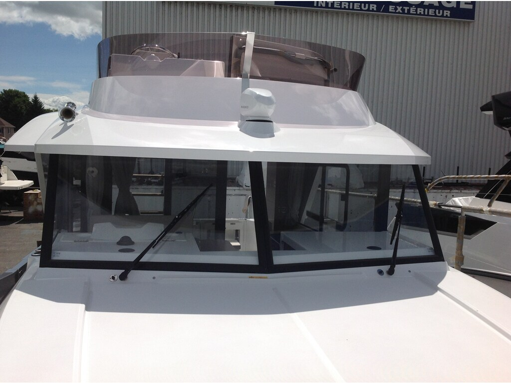 2019 Beneteau boat for sale, model of the boat is Swift Trawler 30 & Image # 5 of 32