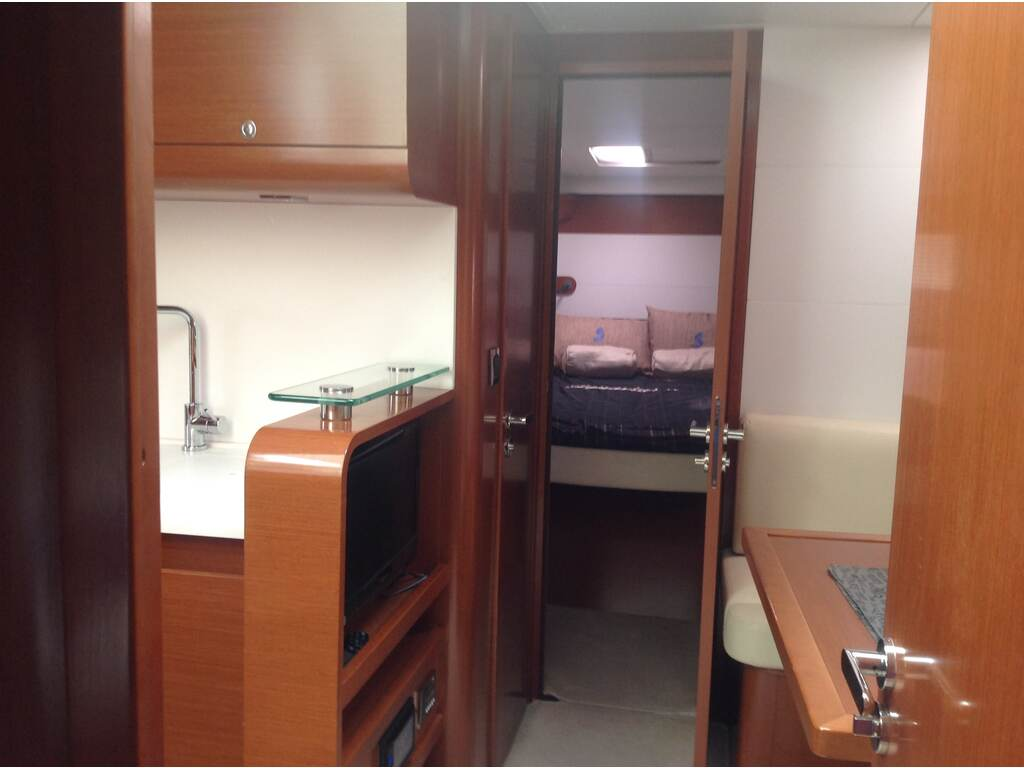 2013 Beneteau boat for sale, model of the boat is Gran Turismo 44 & Image # 21 of 24