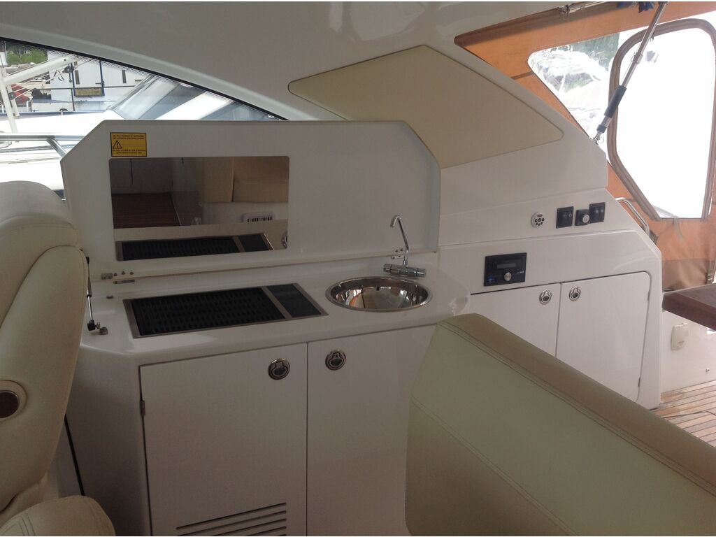 2013 Beneteau boat for sale, model of the boat is Gran Turismo 44 & Image # 11 of 24