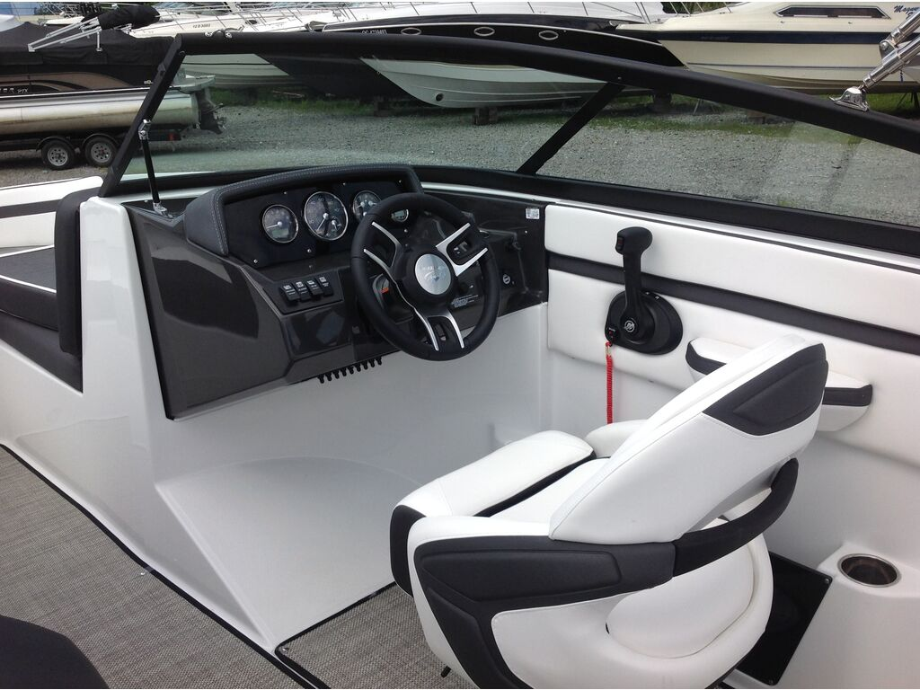 2020 Monterey boat for sale, model of the boat is M20 & Image # 5 of 16