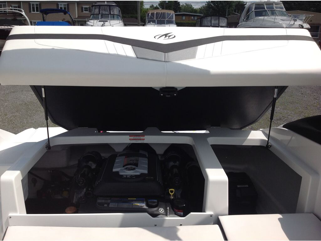 2020 Monterey boat for sale, model of the boat is M20 & Image # 10 of 16