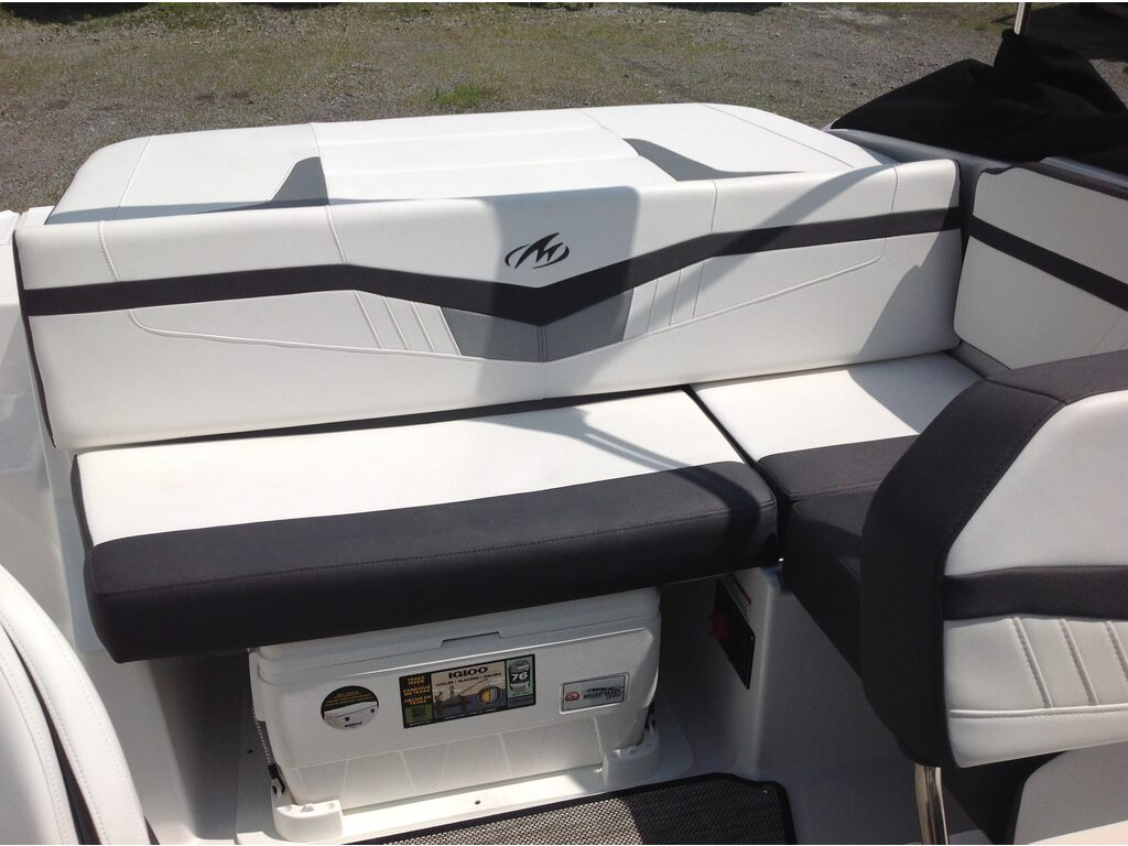 2020 Monterey boat for sale, model of the boat is M20 & Image # 9 of 16