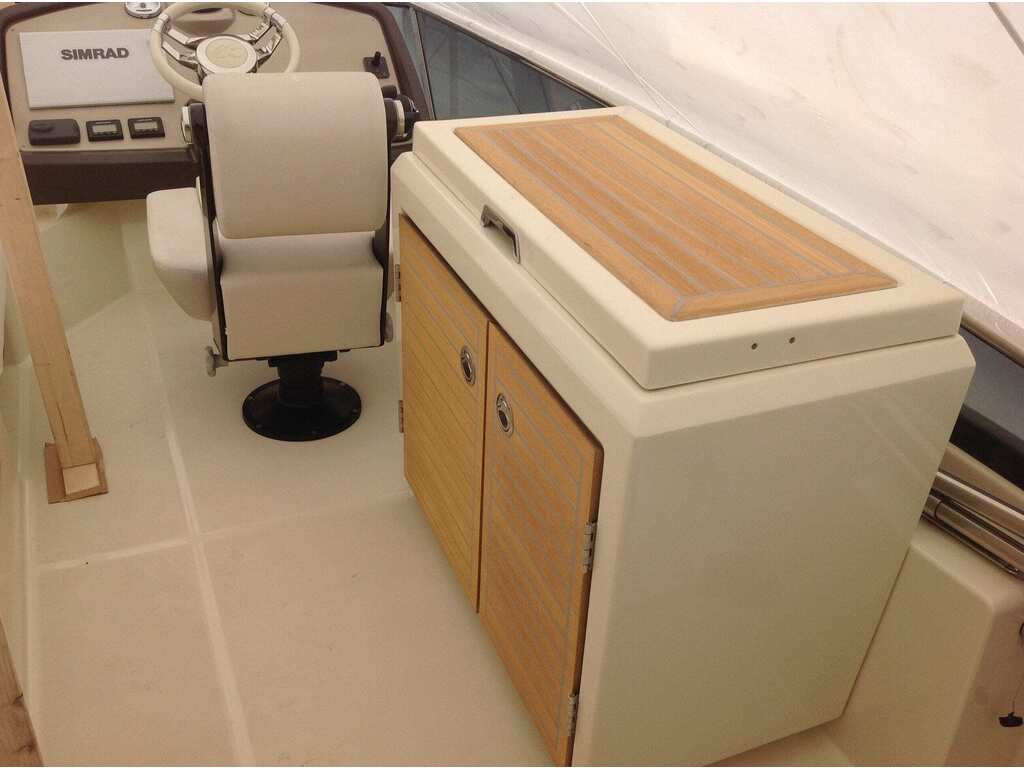 2015 Beneteau boat for sale, model of the boat is Monte Carlo 4 & Image # 6 of 25