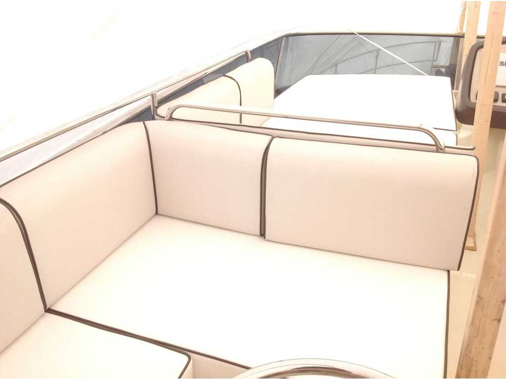 2015 Beneteau boat for sale, model of the boat is Monte Carlo 4 & Image # 7 of 25