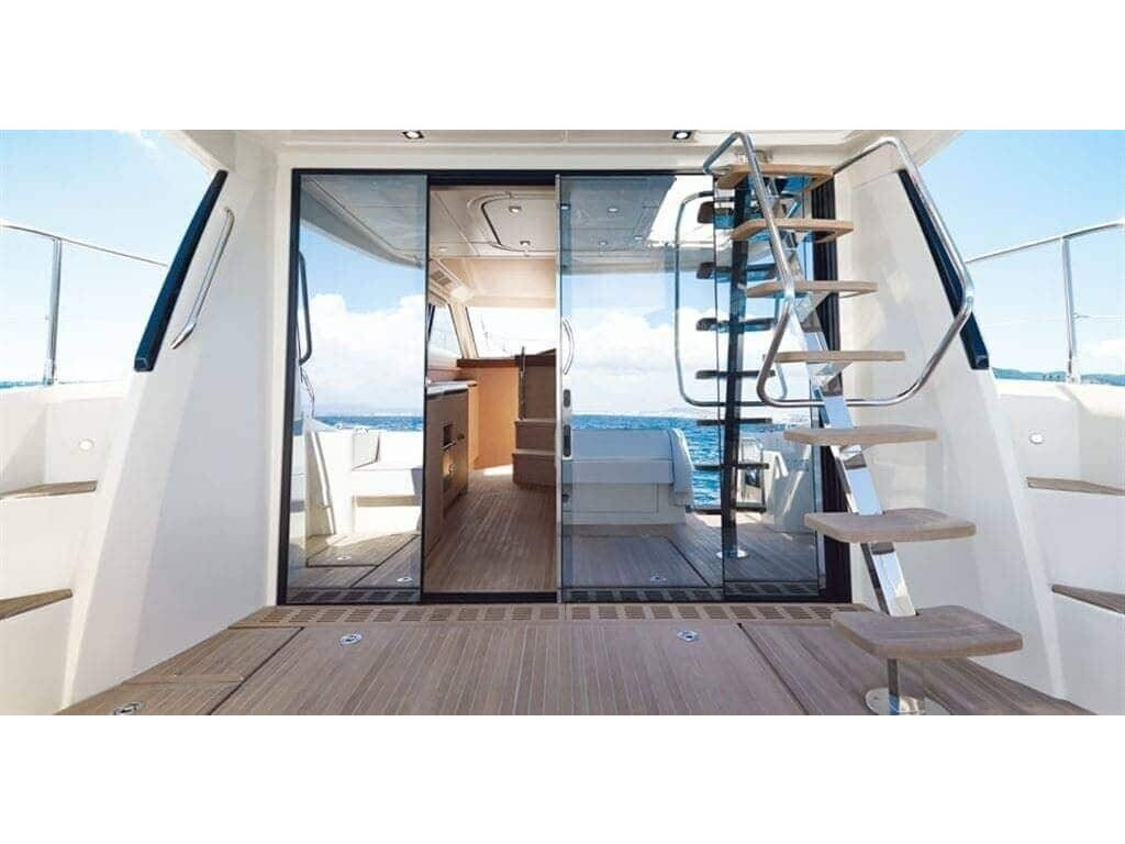 2015 Beneteau boat for sale, model of the boat is Monte Carlo 4 & Image # 25 of 27