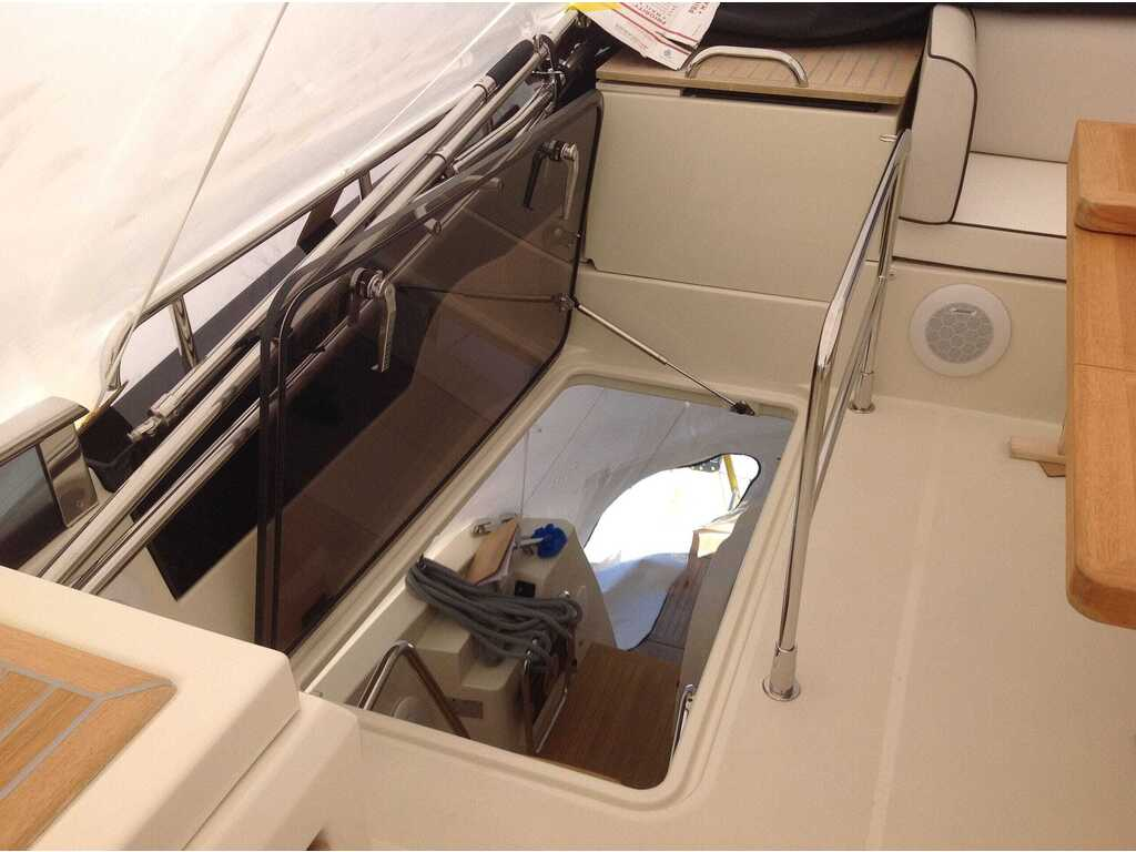 2015 Beneteau boat for sale, model of the boat is Monte Carlo 4 & Image # 8 of 26