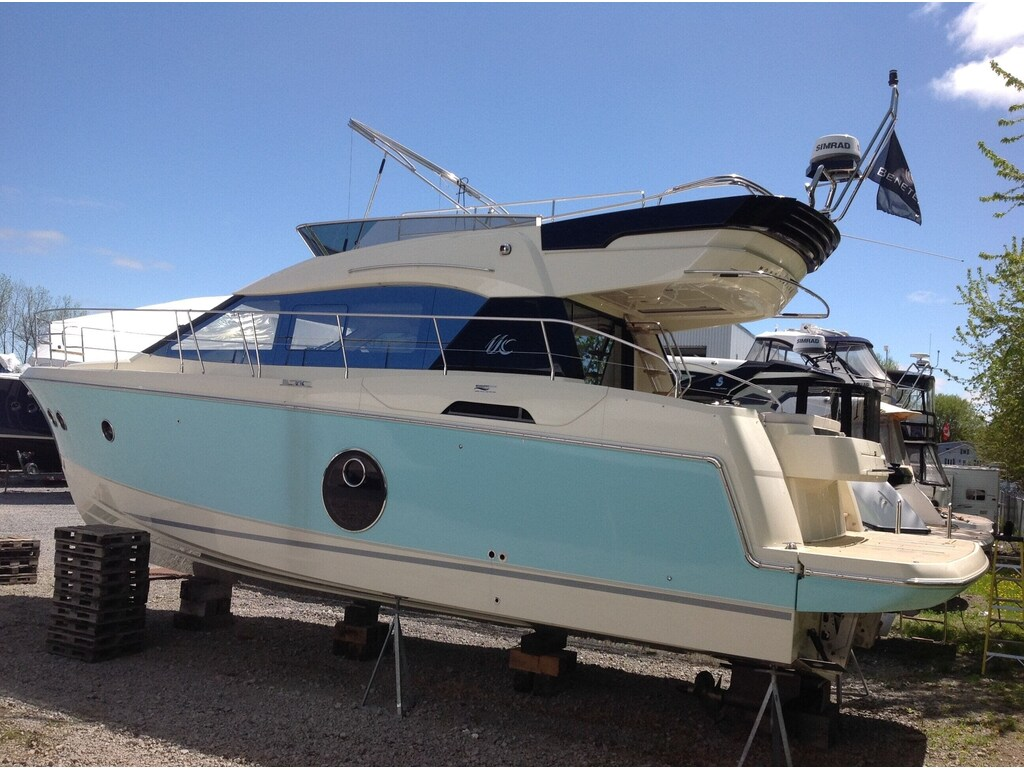 2015 Beneteau boat for sale, model of the boat is Monte Carlo 4 & Image # 5 of 25