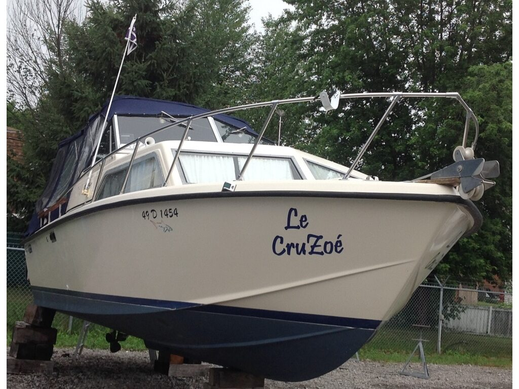 1978 Chris Craft boat for sale, model of the boat is Catalina 251 & Image # 2 of 10