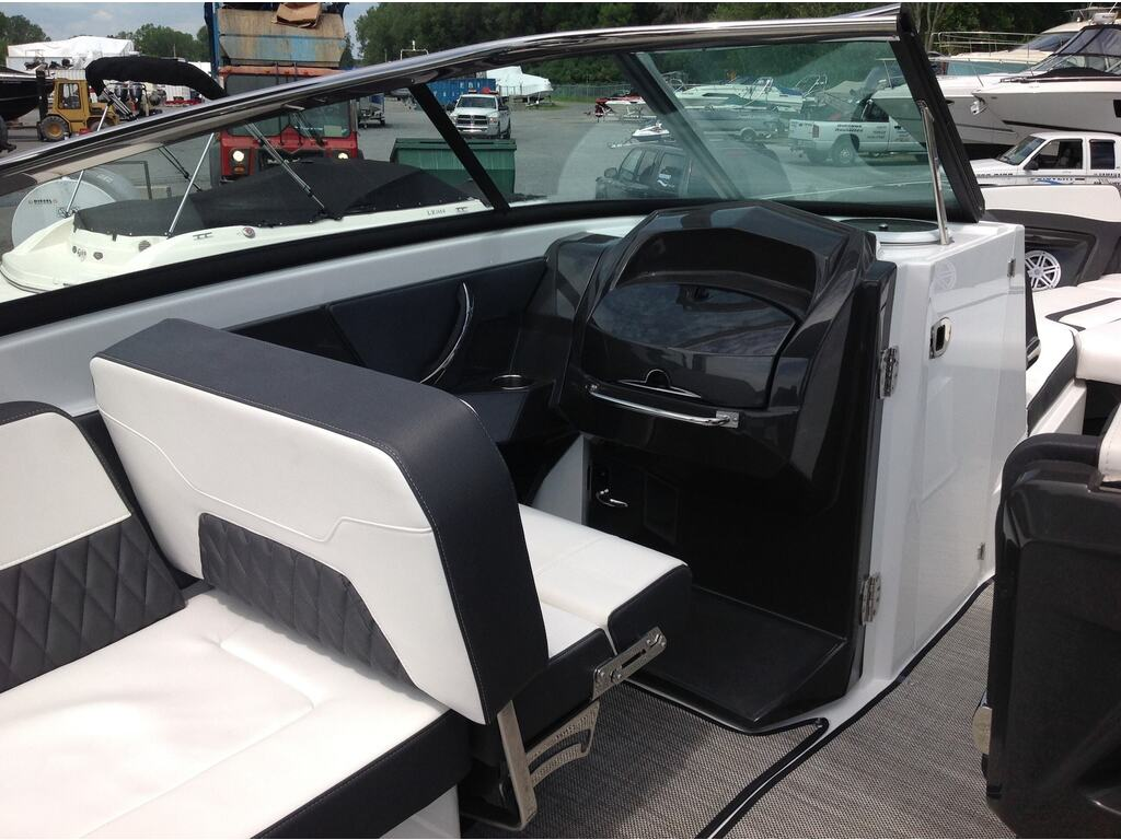 2020 Monterey boat for sale, model of the boat is 298 Ss & Image # 10 of 22