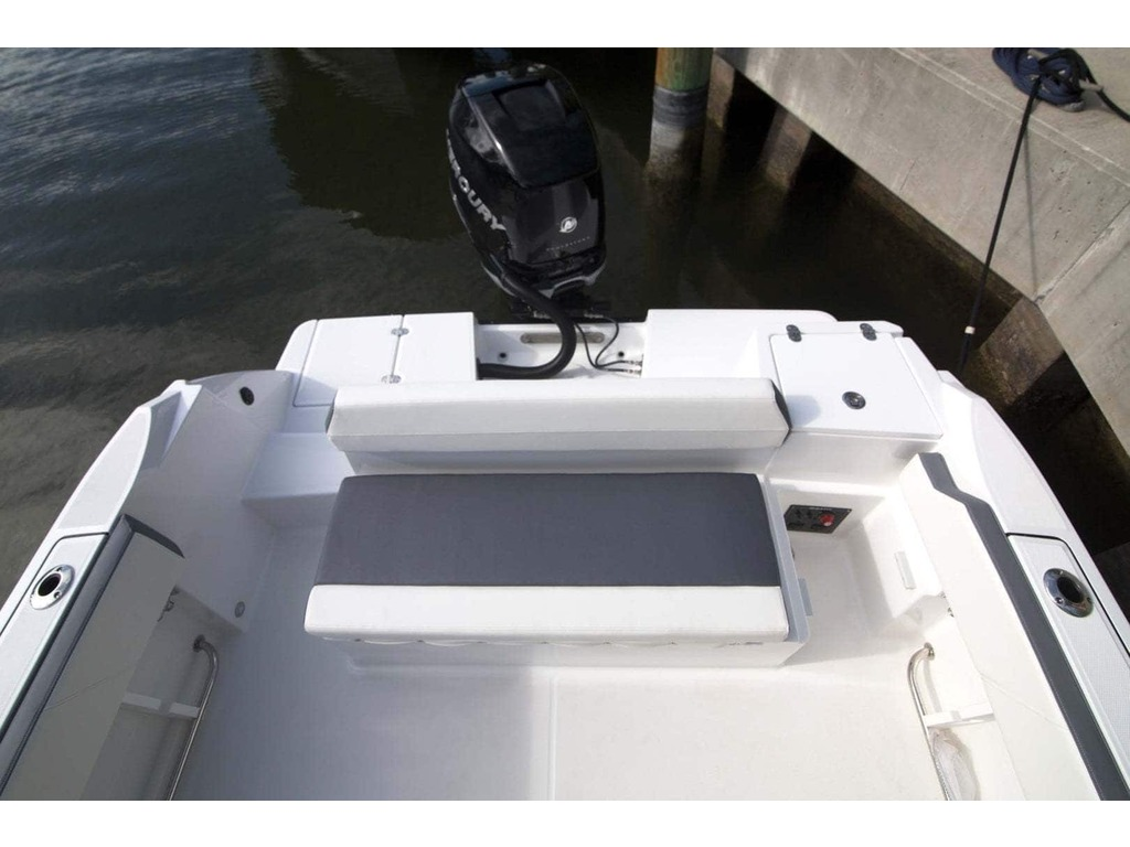 2020 Blackfin boat for sale, model of the boat is 212cc & Image # 21 of 25