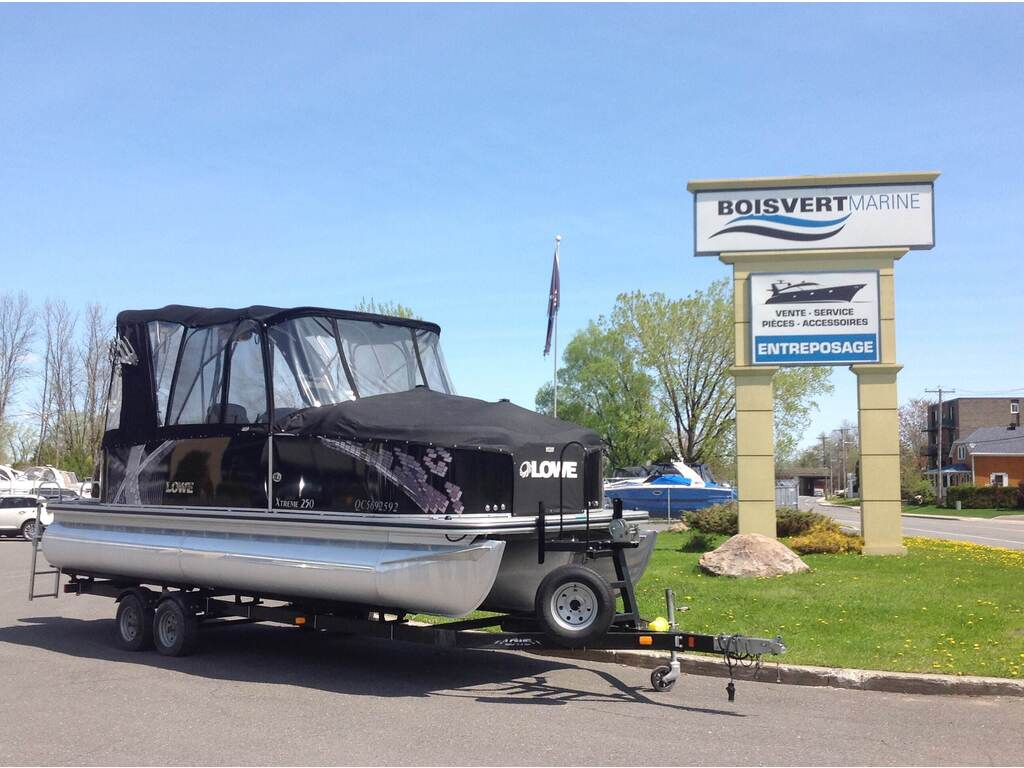 2015 Lowe boat for sale, model of the boat is Xtreme 250 (3 Quilles) & Image # 2 of 12