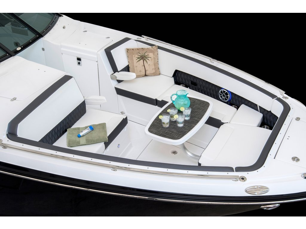 2021 Monterey boat for sale, model of the boat is 378se & Image # 3 of 7