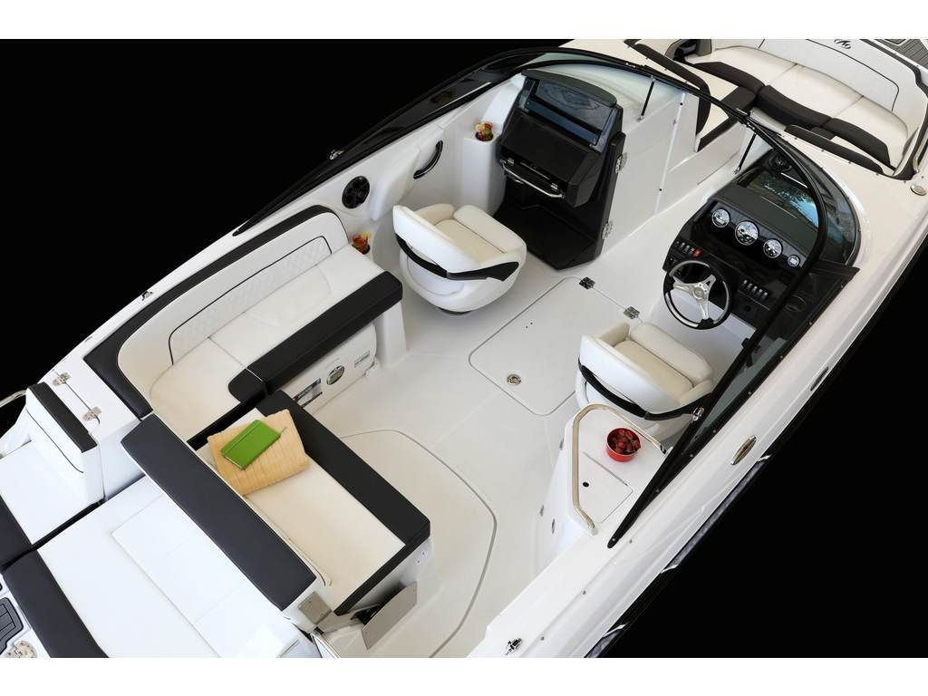 2021 Monterey boat for sale, model of the boat is M45 & Image # 3 of 5