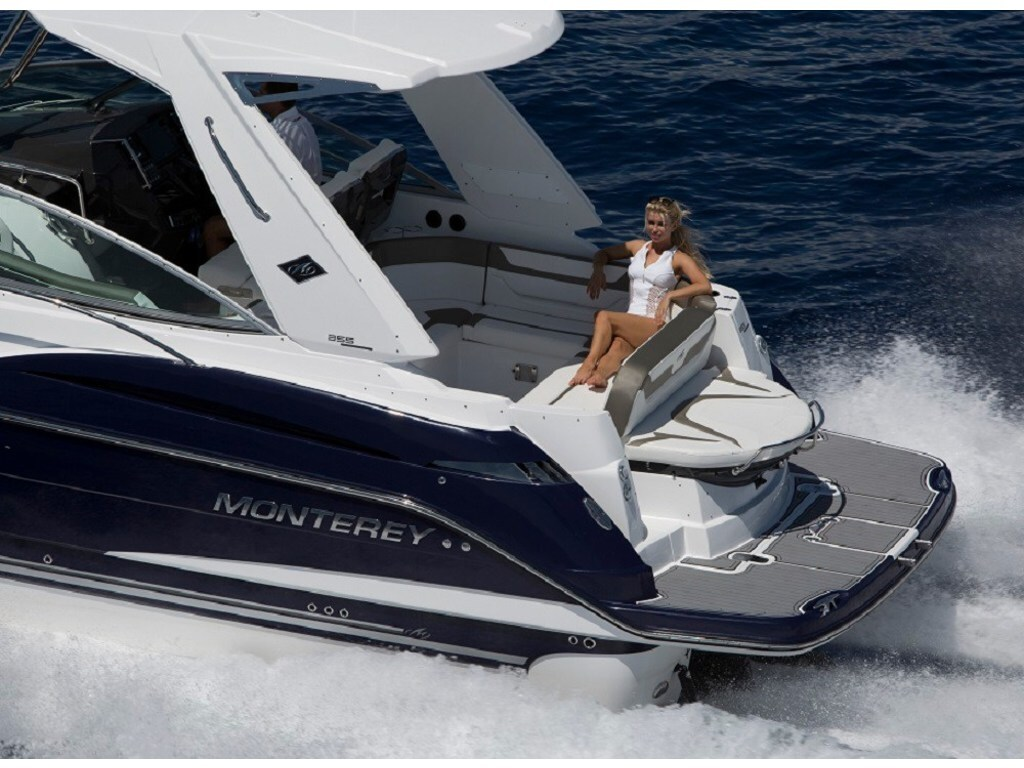 2020 Monterey boat for sale, model of the boat is 355sy & Image # 6 of 9