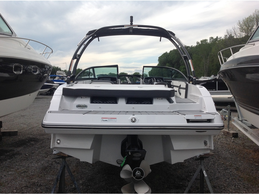 2020 Monterey boat for sale, model of the boat is M22 & Image # 4 of 16