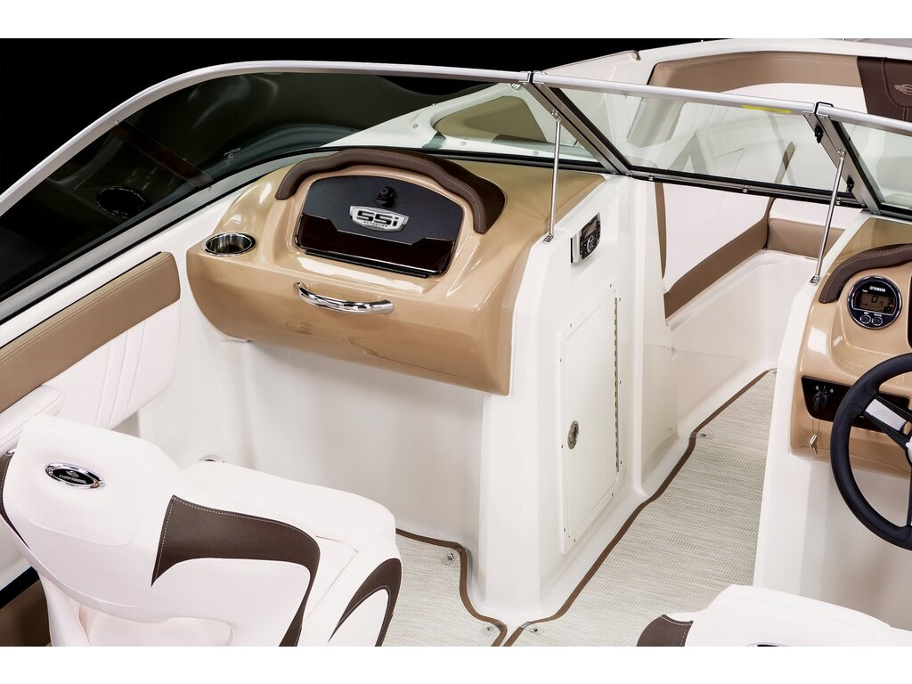 2021 Chaparral boat for sale, model of the boat is 21 Ssi O/b & Image # 9 of 15