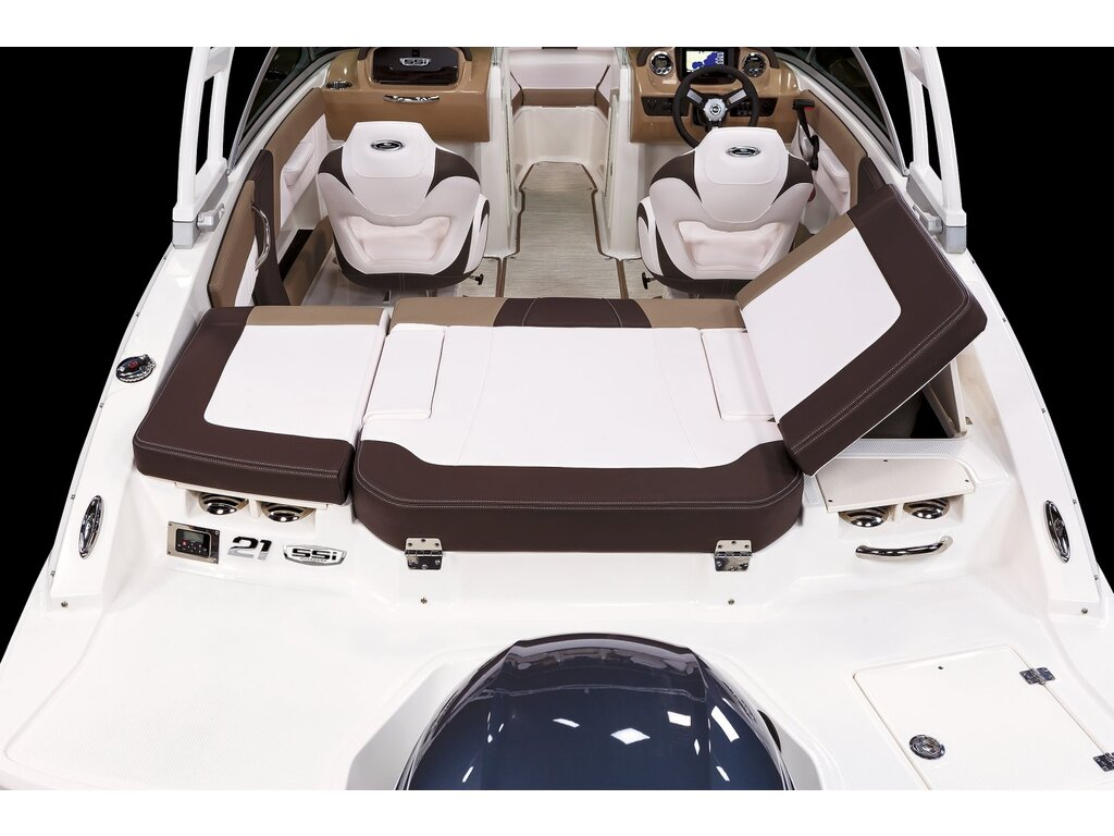 2021 Chaparral boat for sale, model of the boat is 21 Ssi O/b & Image # 13 of 15