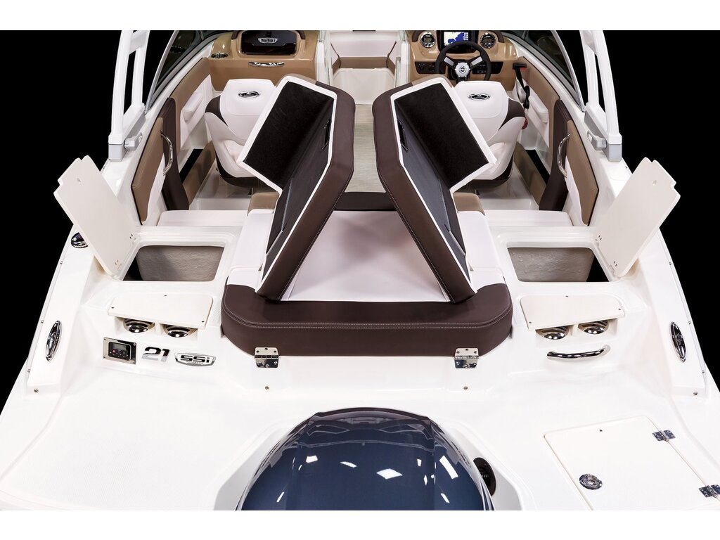 2021 Chaparral boat for sale, model of the boat is 21 Ssi O/b & Image # 14 of 15