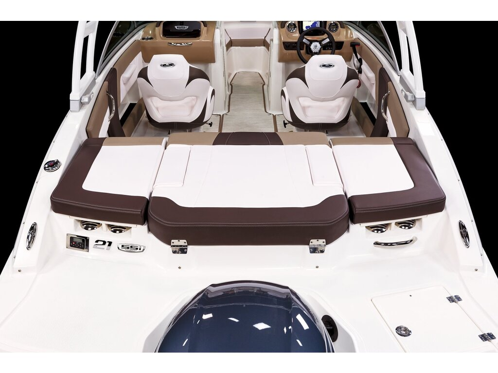 2021 Chaparral boat for sale, model of the boat is 21 Ssi O/b & Image # 12 of 15