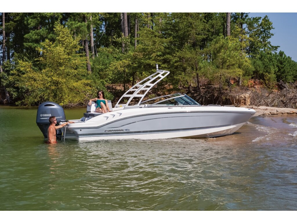 2021 Chaparral boat for sale, model of the boat is 21 Ssi O/b & Image # 2 of 15