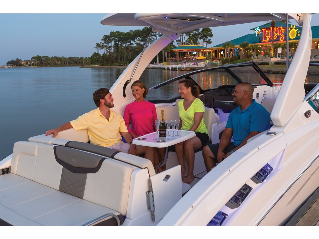 2020 Chaparral boat for sale, model of the boat is 317 Ssx & Image # 2 of 15