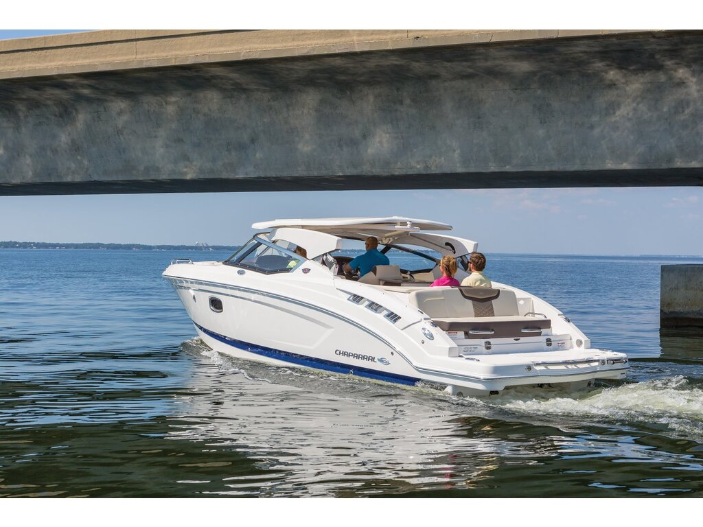 2020 Chaparral boat for sale, model of the boat is 317 Ssx & Image # 4 of 15