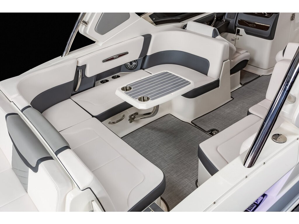 2021 Chaparral boat for sale, model of the boat is 317 Ssx & Image # 10 of 15