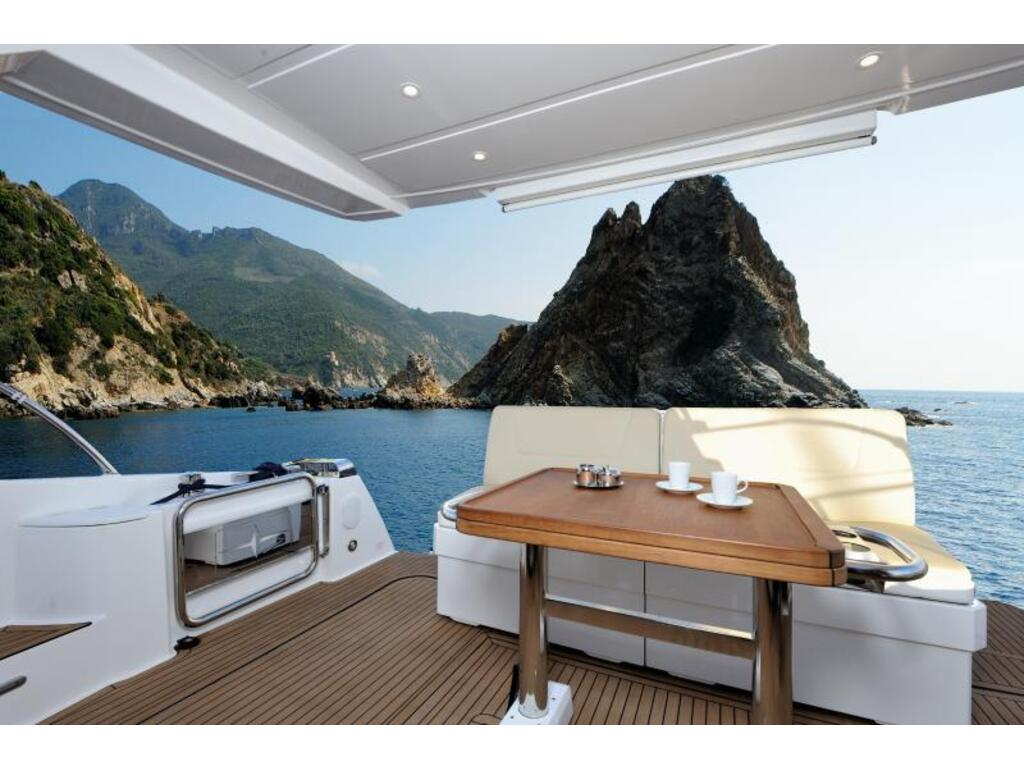 2020 Bavaria boat for sale, model of the boat is Virtess 420 Fly Ips 600 Volvo & Image # 5 of 13