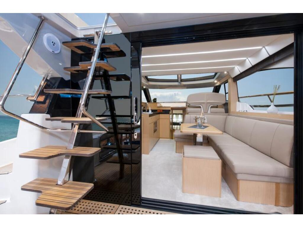 2020 Bavaria boat for sale, model of the boat is Virtess 420 Fly Ips 600 Volvo & Image # 7 of 13