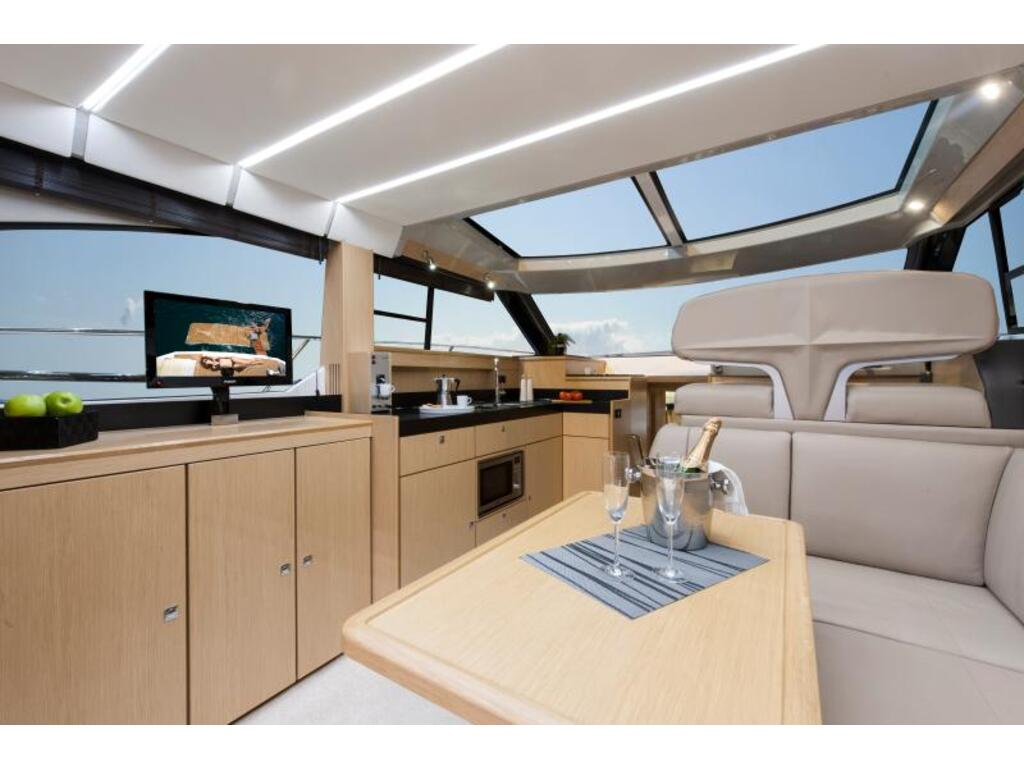 2020 Bavaria boat for sale, model of the boat is Virtess 420 Fly Ips 600 Volvo & Image # 8 of 13