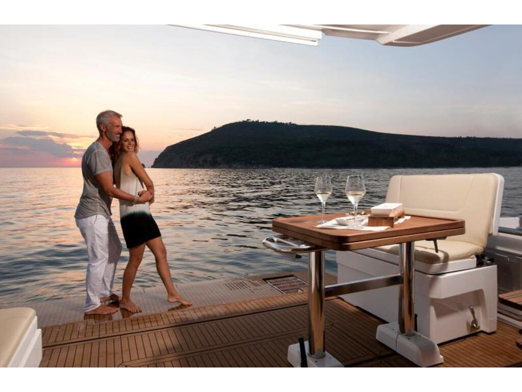 2020 Bavaria boat for sale, model of the boat is Virtess 420 Fly Ips 600 Volvo & Image # 6 of 13