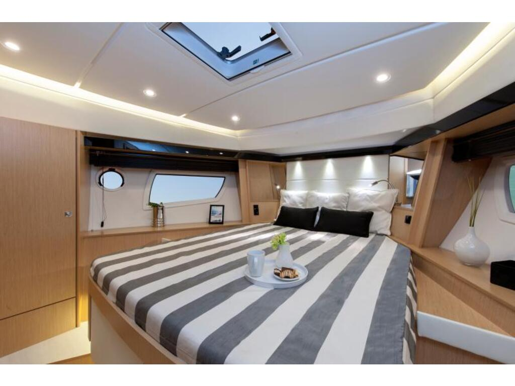 2020 Bavaria boat for sale, model of the boat is Virtess 420 Fly Ips 600 Volvo & Image # 10 of 13