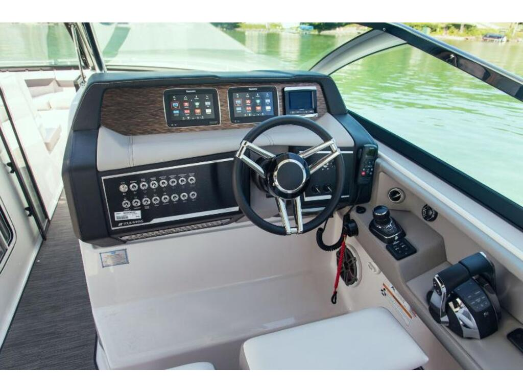2019 Four Winns boat for sale, model of the boat is H 350 & Image # 7 of 16