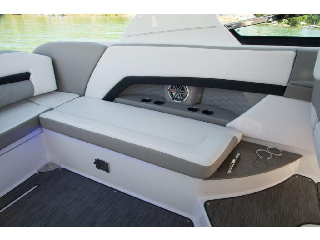2019 Four Winns boat for sale, model of the boat is H 350 & Image # 11 of 16