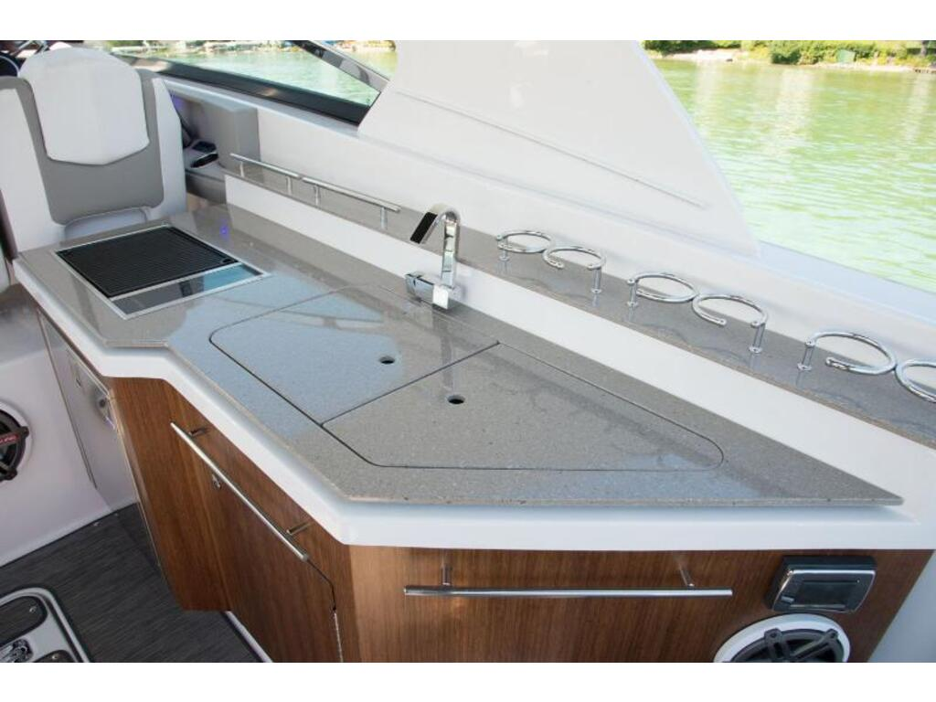 2019 Four Winns boat for sale, model of the boat is H 350 & Image # 13 of 16
