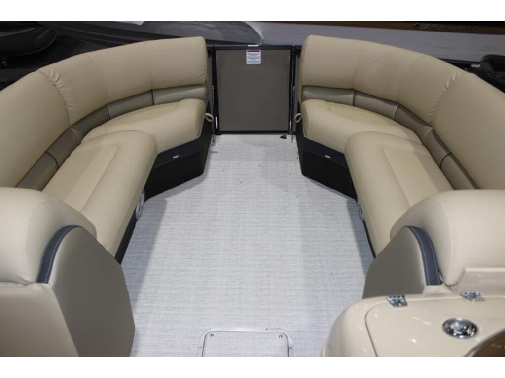2019 Southbay Ponton boat for sale, model of the boat is 523cr & Image # 5 of 6